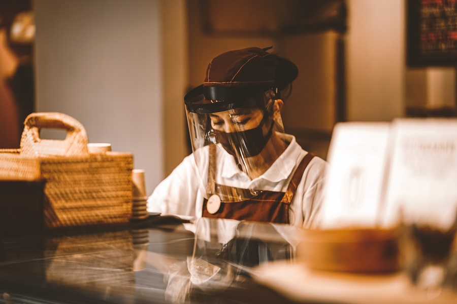 how to improve guest experience in a restaurant